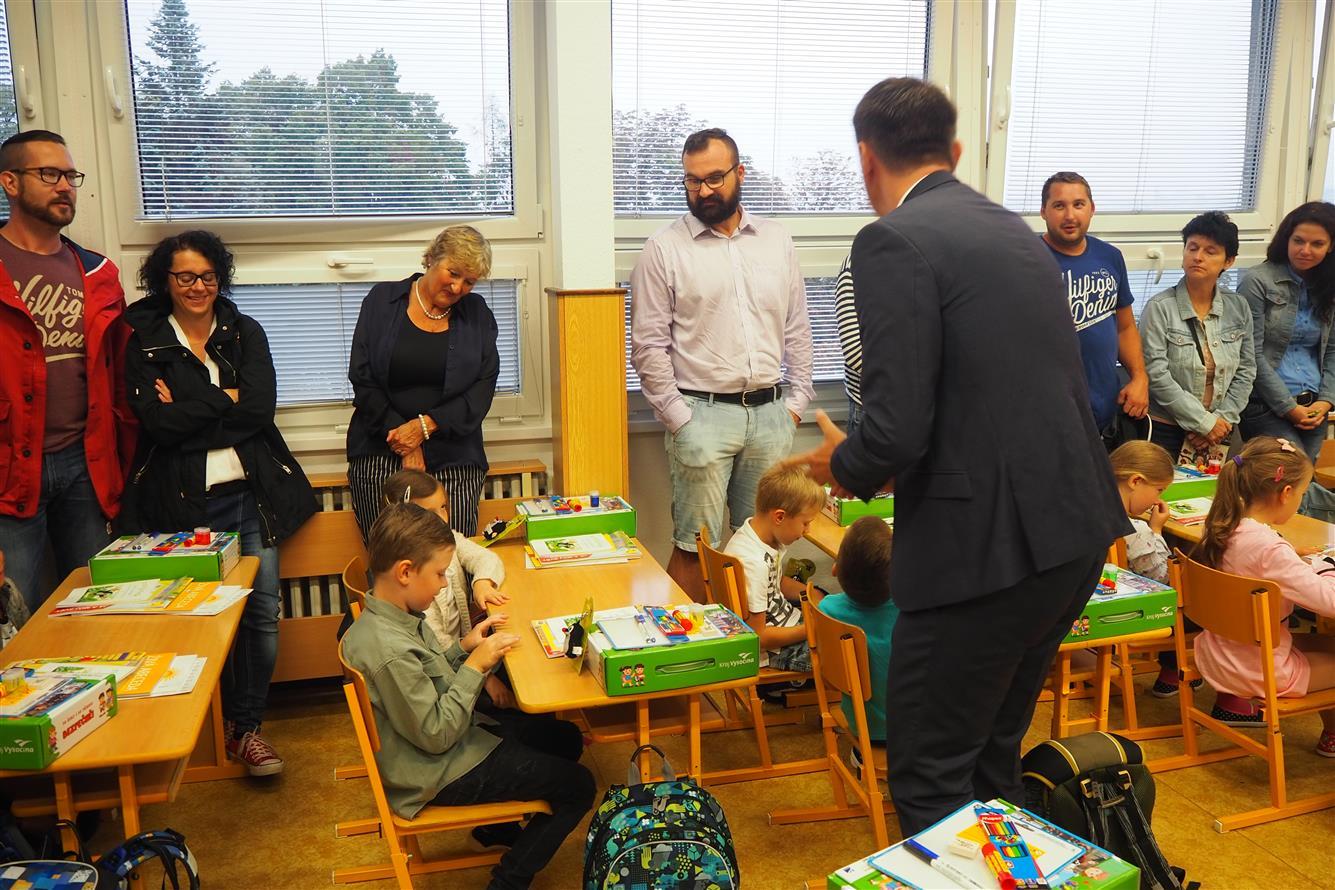 Do školních lavic v Třebíči usedlo 349 prvňáčků