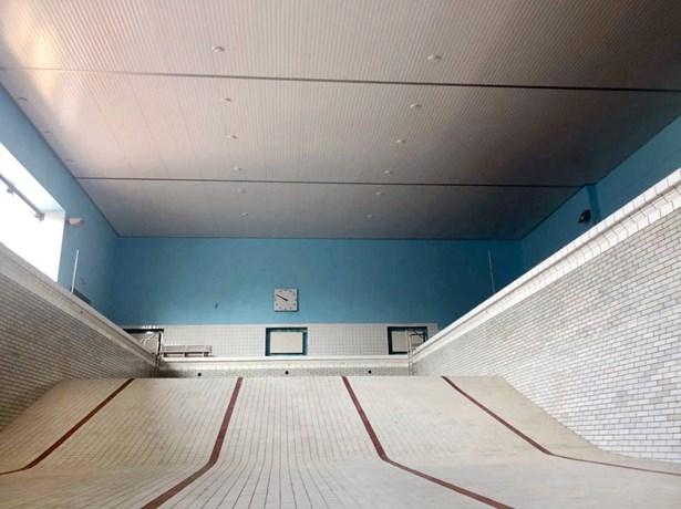 Popis: Krytý bazén v Nymburku.
