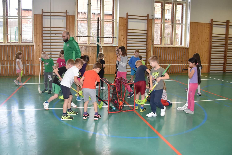 Trenéři do škol mají dětem ukázat kouzlo sportu a nastartovat v nich lásku k pohybu