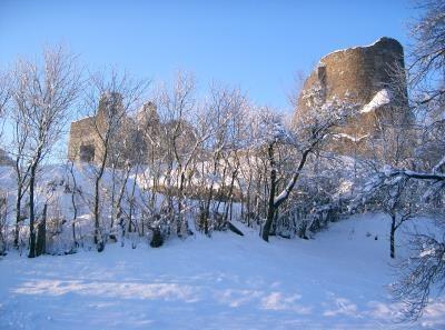 Popis: Zřícenina hradu Lichnice.