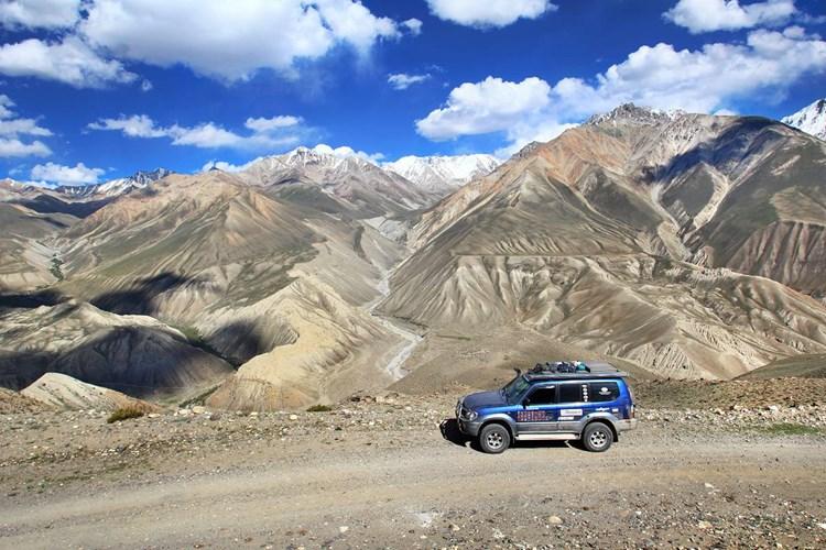 Výstava Velká cesta napříč Asií přibližuje dobrodružné putování 23 zeměmi Asie a Evropy