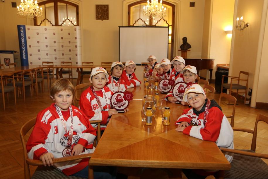 Úspěšní mladí hokejisté na radnici