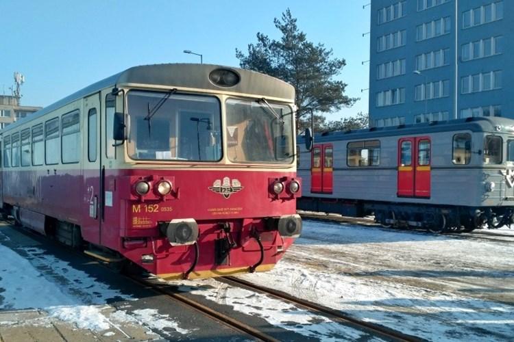 V polovině března máte jedinečnou možnost svézt se historickým vlakem 810 KŽC a soupravou metra Ečs