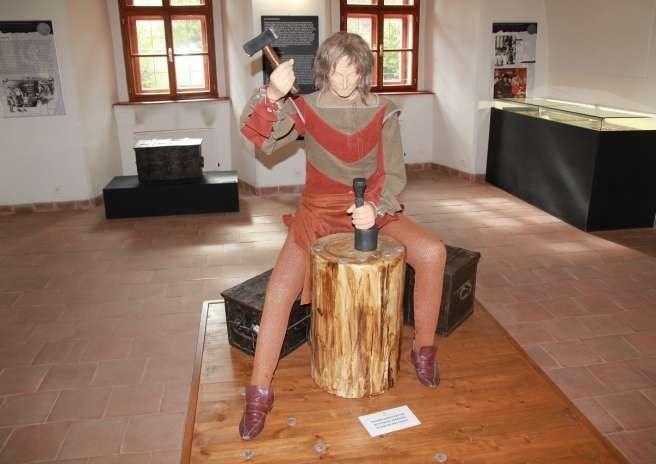 Výstava přibližuje vznik a vývoj řady tolarových měn v Evropě v 16. století