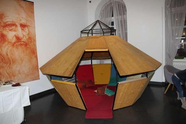 Na výstavě můžete postavit Leonardův přenosný most nebo digitálně upravovat a promítat obrazy Mony Lisy