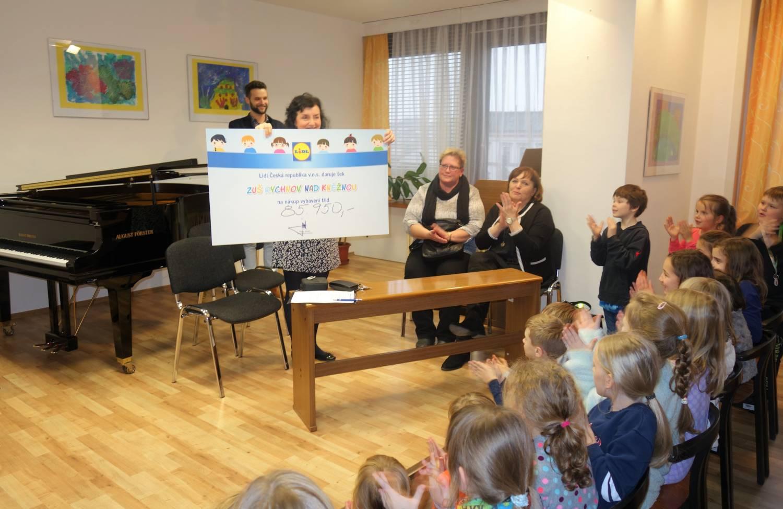 ZUŠ Rychnov nad Kněžnou získala od Lidlu 85 950 korun