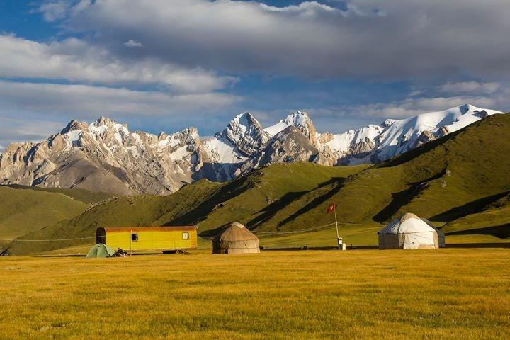 Popis: Kyrgyzstán: Trochu jiný mainstream.