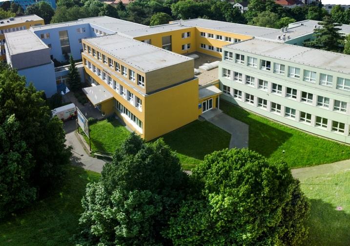 Stála u zrodu oboru ICT v Česku. Škola na Proseku slaví 25 let