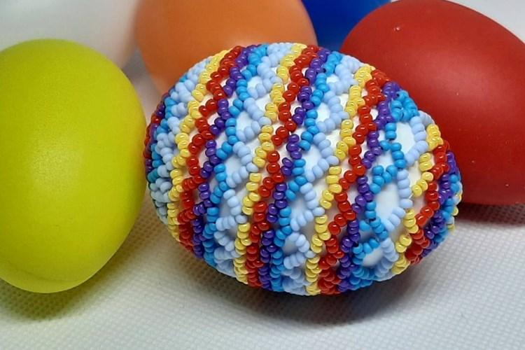 Svátky jara můžete oslavit v krámku Kreativ v Domažlicích s korálkovými dekoracemi