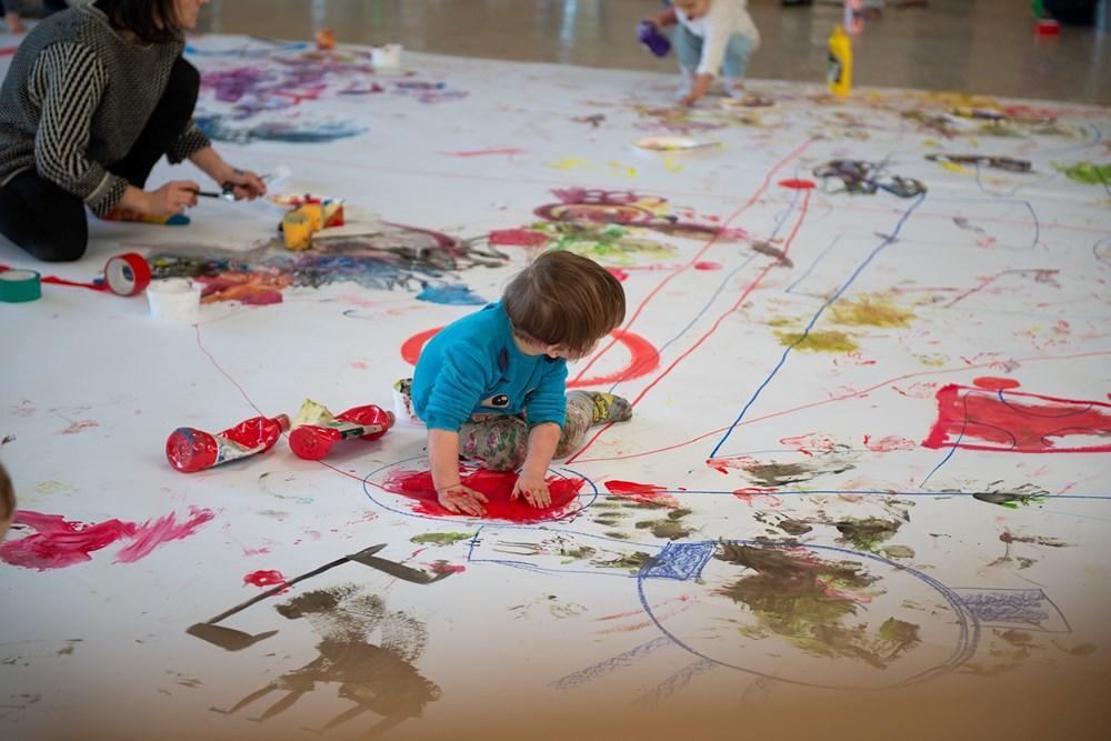 Popis: BatoPLATO je workshop určený dětem ve věku od 1,5 do 3 let.