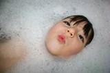 Dětské přísady do koupele nepotěší pokožku, ani životní prostředí