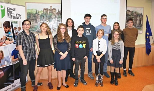 Popis: V soutěži o internetu uspěli i sokolovští školáci.