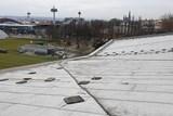 Olomoucký krytý bazén je mimo provoz. Silný vítr mu poškodil střechu