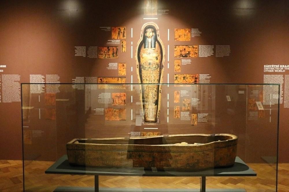 Popis: Z výstavy Na březích Nilu.