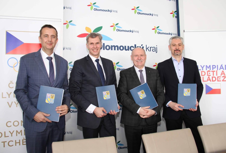 Podepsáno. Olomoucký kraj je oficiálním pořadatelem letní Olympiády dětí a mládeže 2021