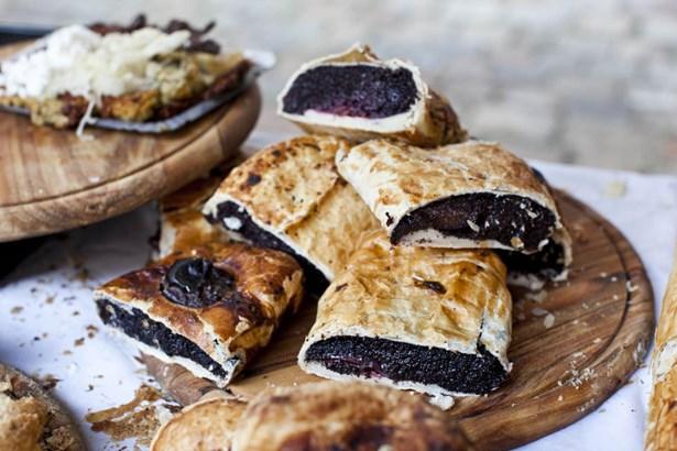 Popis: V sobotu 21. března znovu zaplní Novoměstskou radnici a její okolí tradiční i netradiční pokrmy z různých koutů světa.