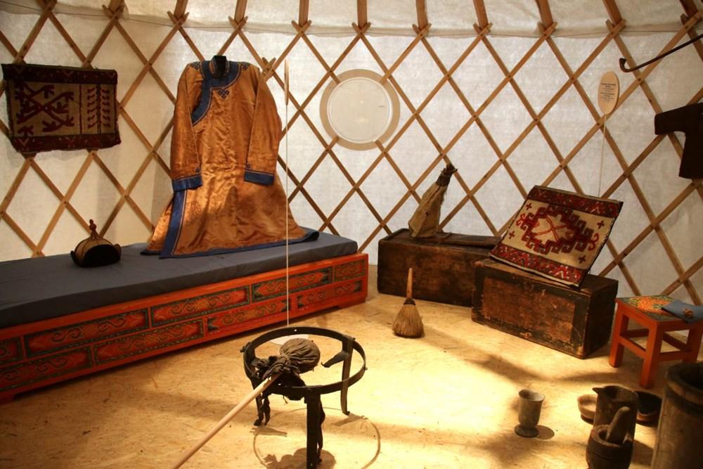 Popis: V Náprstkově muzeu asijských, afrických a amerických kultur je až do konce roku 2020 k vidění výstava Doma na Sibiři.