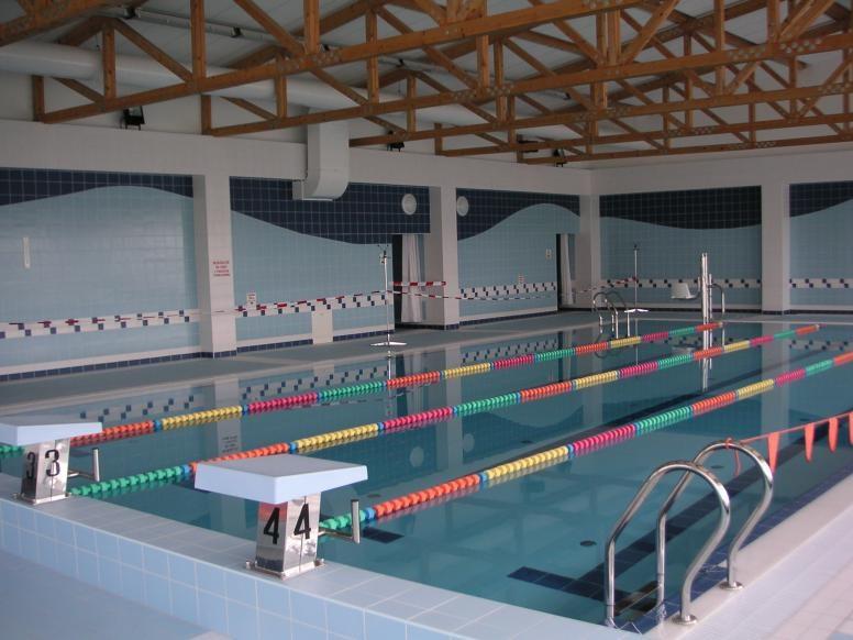 Krytý plavecký bazén v Litovli.