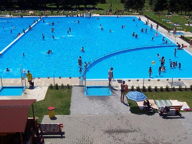 Neplavecký bazén Letního koupaliště v Šumperku – Bratrušák.