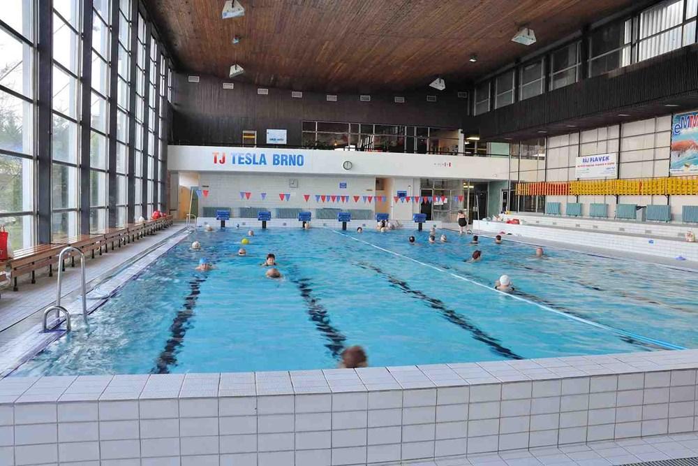 Krytý plavecký bazén TJ TESLA BRNO.