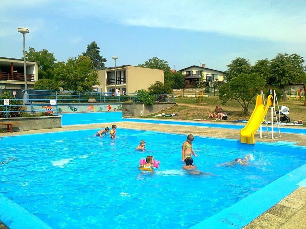 Dětský bazén Koupaliště Zvíkovské - Podhradí.
