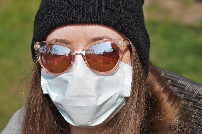 Roušky chrání i stimulují zrak postižených dětí