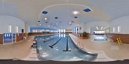 Krytý bazén ve Frenštátě pod Radhoštěm.