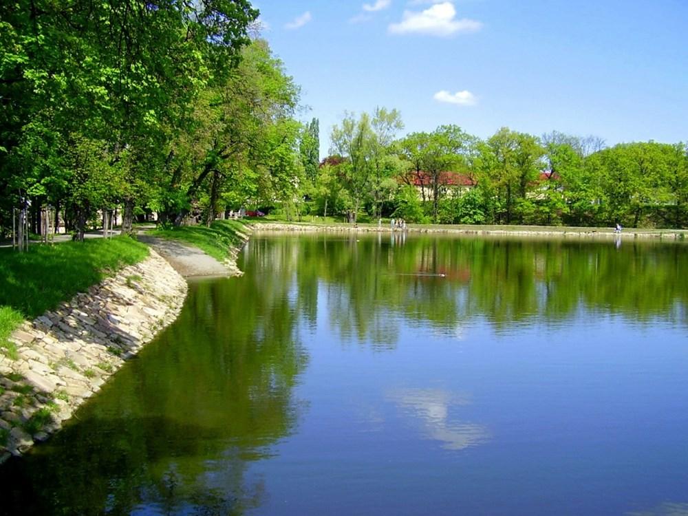 Počernický rybník je největší pražský rybník.