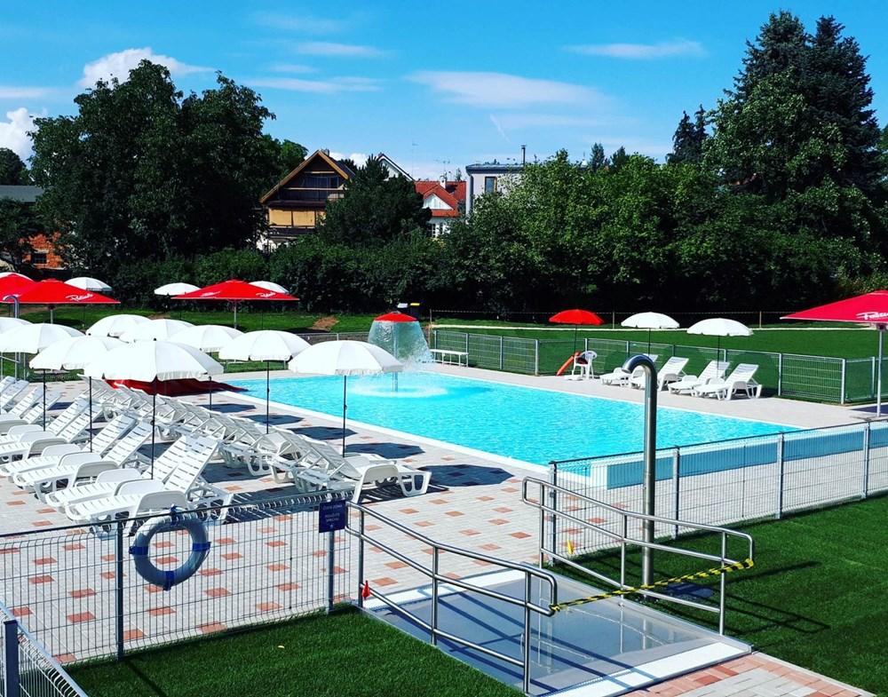 Koupaliště Kolovraty se nachází na okraji Prahy.