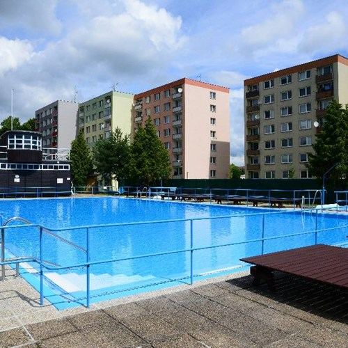 Venkovní plavecký bazén Bioska