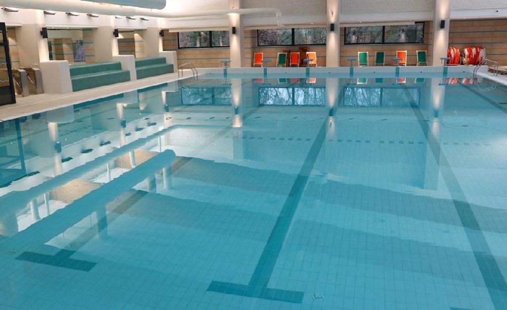 Plavecký bazén rakovnického aquaparku.