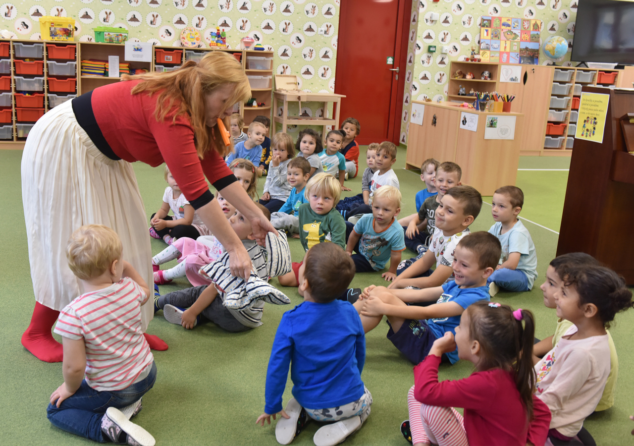 Většina městských mateřských škol otevře 18. nebo 25. května