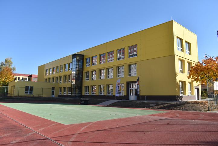 Ředitelé plzeňských základních škol prominou poplatky za družinu