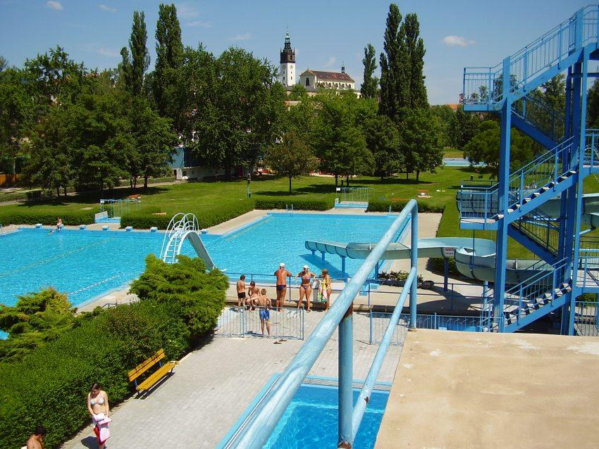 V pondělí 25. května otevírá plavecký bazén, sezónu zahájí i koupaliště