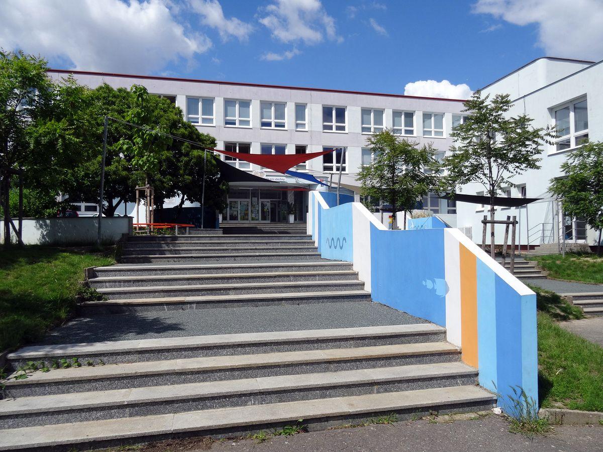 I v době krize opravuje MČ Praha 4 školy a školky