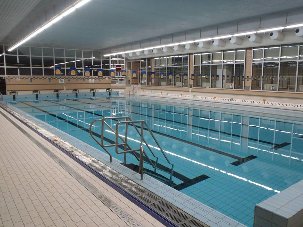 Krytý plavecký bazén v Litoměřicích.