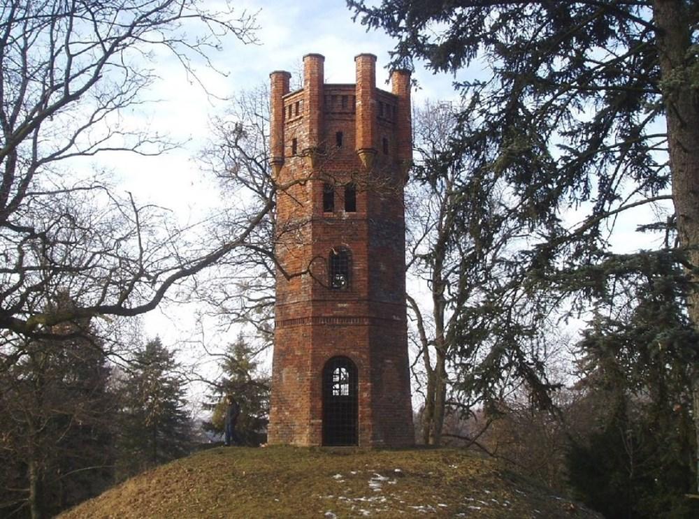 Rozhledna Čechy pod Kosířem (Věžka, Červená věž).